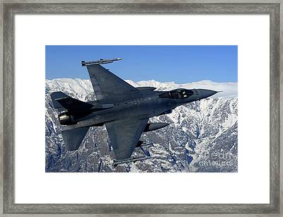 A U.s. Air Force F-16 Fighting Falcon Framed Print by Stocktrek Images