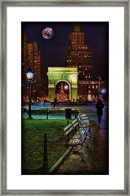 A Walk In Washington Square Framed Print by Lee Dos Santos