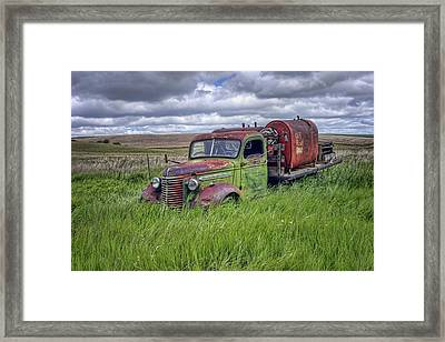 Abandoned Chevy Truck - Rusty Vehicles Framed Print