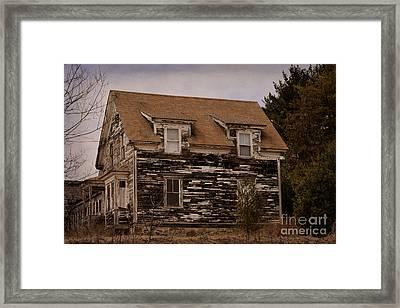 Abandoned Farmhouse Framed Print by William Tasker