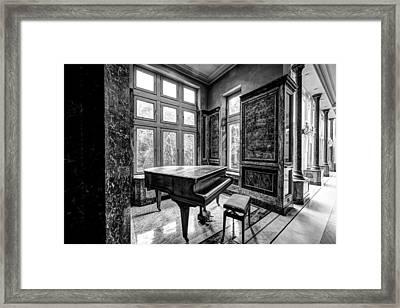 Abandoned Piano Monochroom- Urban Exploration Framed Print by Dirk Ercken