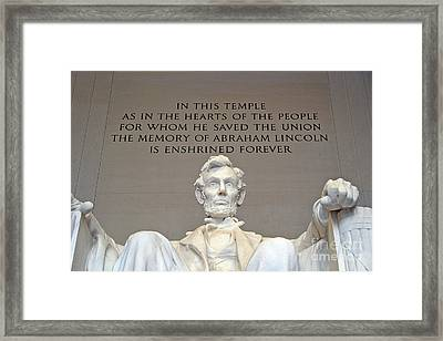 Abraham Lincoln Statue - 2 Framed Print by Tom Doud
