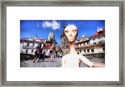 Alien Selfie Holidays Framed Print by Raphael Terra
