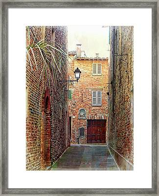 Alley View 3 Citta Della Pieve Umbria Framed Print by Dorothy Berry-Lound