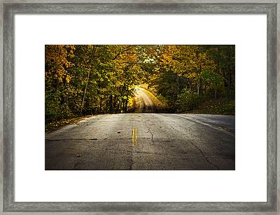 Along The La Aqua Na Circle Road Framed Print