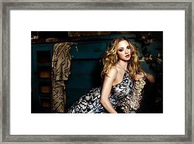Amanda Seyfried New Framed Print