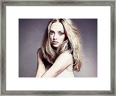 Amanda Seyfried Framed Print
