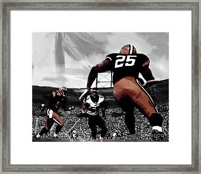 American Football  Framed Print by Gull G