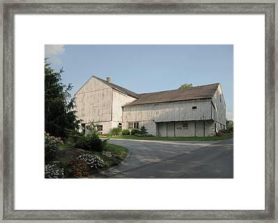 Amish Barn Framed Print by Gordon Beck
