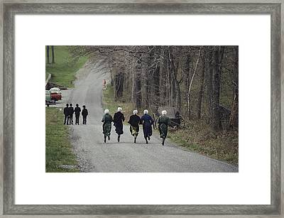 Amish People Visiting Middle Creek Framed Print by Ira Block