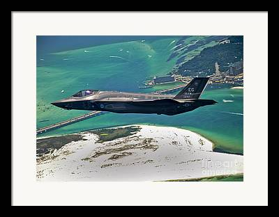 Jetfighter Framed Prints