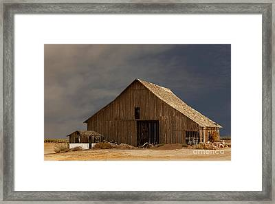 An Old Barn In Rural California Framed Print by Mark Hendrickson