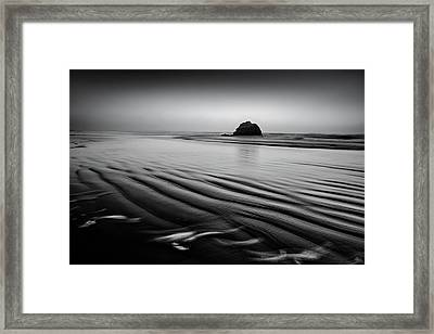Framed Print featuring the photograph An Oregon Morning by Jon Glaser