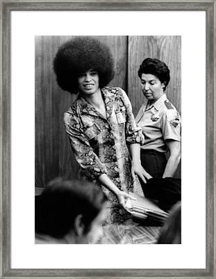 Angela Davis In Courtroom. She Framed Print by Everett