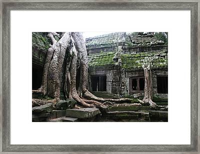 Angkor Wat Framed Print by Linda Russell