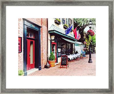 Annapolis Md - Restaurant On State Circle Framed Print by Susan Savad