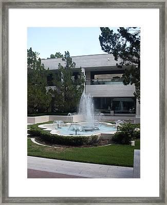 Appleton Fountain Framed Print by Warren Thompson