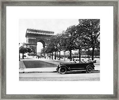 Arc De Triomphe De Letoile Framed Print by Underwood Archives