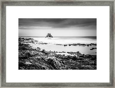 Arch Rock In Corona Del Mar Newport Beach California Framed Print by Paul Velgos