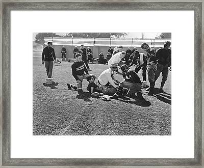 Army-navy Football Movie Framed Print by Underwood Archives