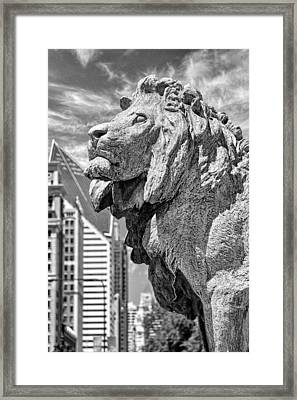 Art Institute In Chicago Lion Black And White Framed Print by Christopher Arndt