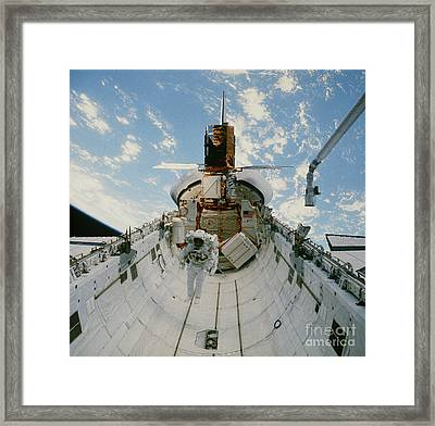 Astronaut Van Hoften In Shuttle Cargo Bay 41c Framed Print