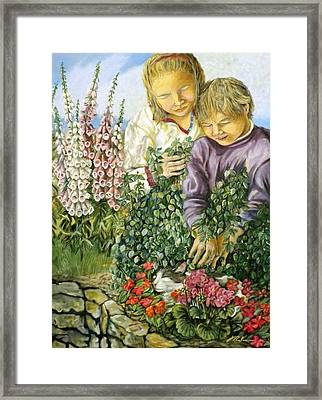 At The Foot Of The Digital Flowers - Au Pied Des Digitales Framed Print