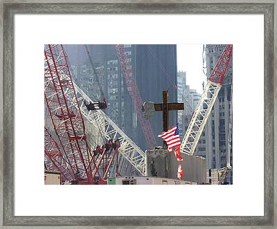 At The World Trade Center Disaster Site Framed Print by Everett