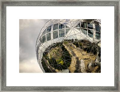 Atomium Framed Print by Pablo Lopez
