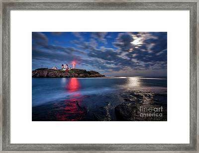August Moon Framed Print by Scott Thorp