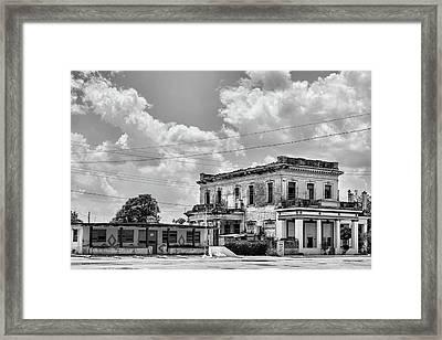 Australia Cuba Framed Print by Dawn Currie