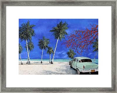 Auto Sulla Spiaggia Framed Print
