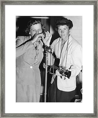 Babe Didrikson And Betty Dodd Framed Print by Underwood Archives
