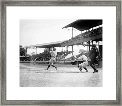 Babe Ruth, 1920 Framed Print by Everett
