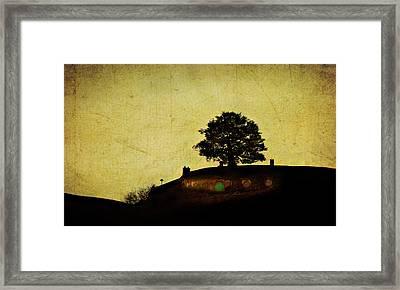 Bagend At Dusk Framed Print by Linde Townsend