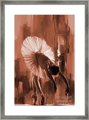 Ballerina 333d Framed Print