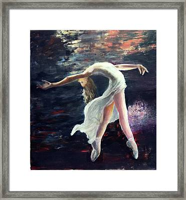 Ballet Dancer 2 Framed Print