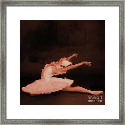 Ballet Dancer In White 01 Framed Print