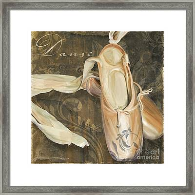 Ballet Danse En Pointe Framed Print by Mindy Sommers