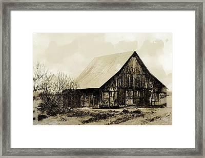 Barn 17 Framed Print