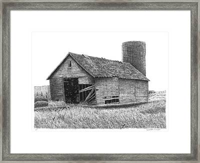 Barn 19 Framed Print by Joel Lueck