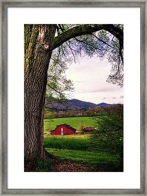 Barn In The Valley Framed Print by Greg Mimbs