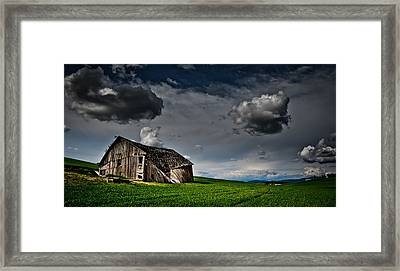 Barn No.1 Framed Print by Niels Nielsen
