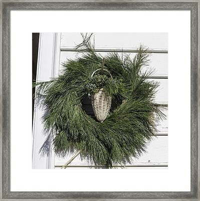 Basket Makers Wreath Framed Print by Teresa Mucha