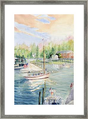 Bay Lady  Framed Print by Melly Terpening