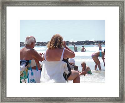 Framed Print featuring the painting Beach Watchers by Esther Newman-Cohen