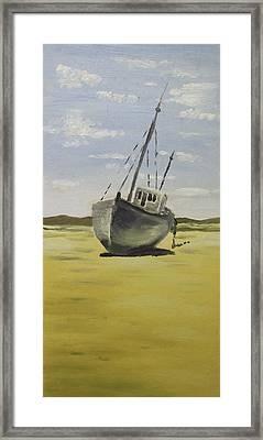 Beached At Bunbeg Framed Print by Alan Hogan