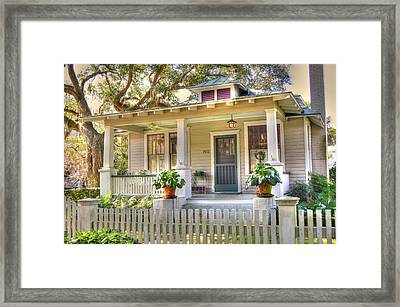 Beaufort Cottage Framed Print by Linda Covino