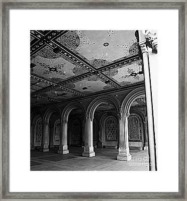 Bethesda Terrace Arcade In Central Park - Bw Framed Print by James Aiken