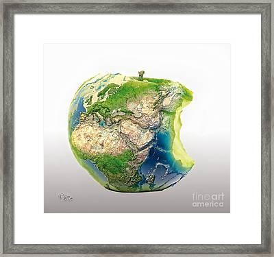 Big Apple Framed Print by Mo T